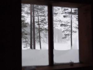 Lumipyry tiilikkajärvellä.