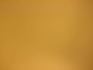 Putsatulla kennolla loisteputkivalaisimeen aukolla f8 otettu kuva. Jotain vielä jäi, mutta tilanne on paljon parempi.